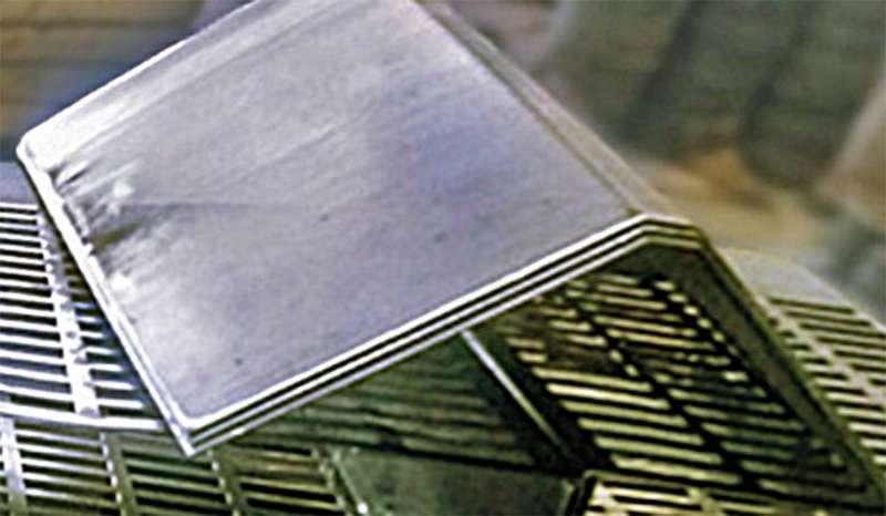 Corte e dobra de ferro e aço
